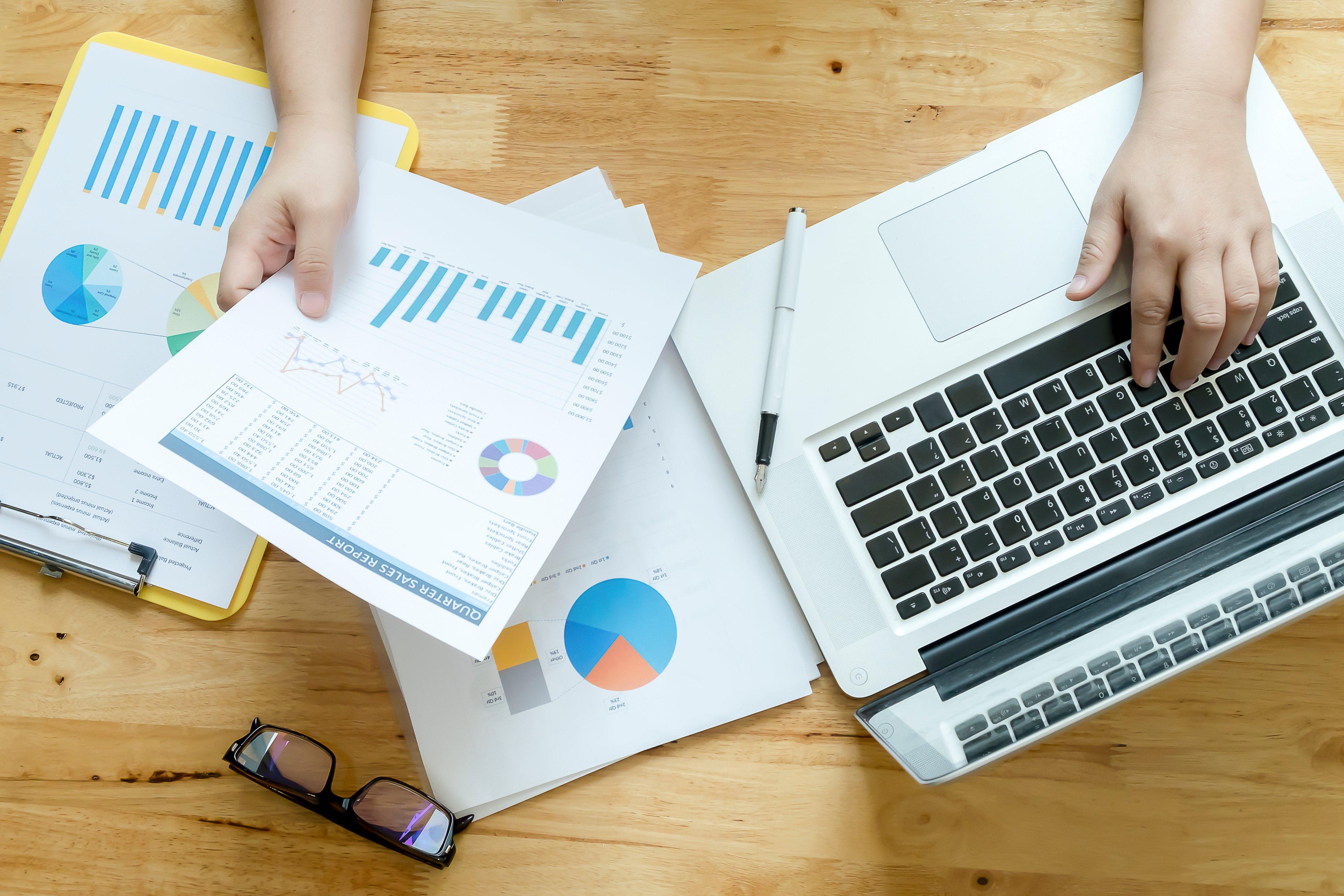 businessman-balanced-financial-foreign-graph-accounting