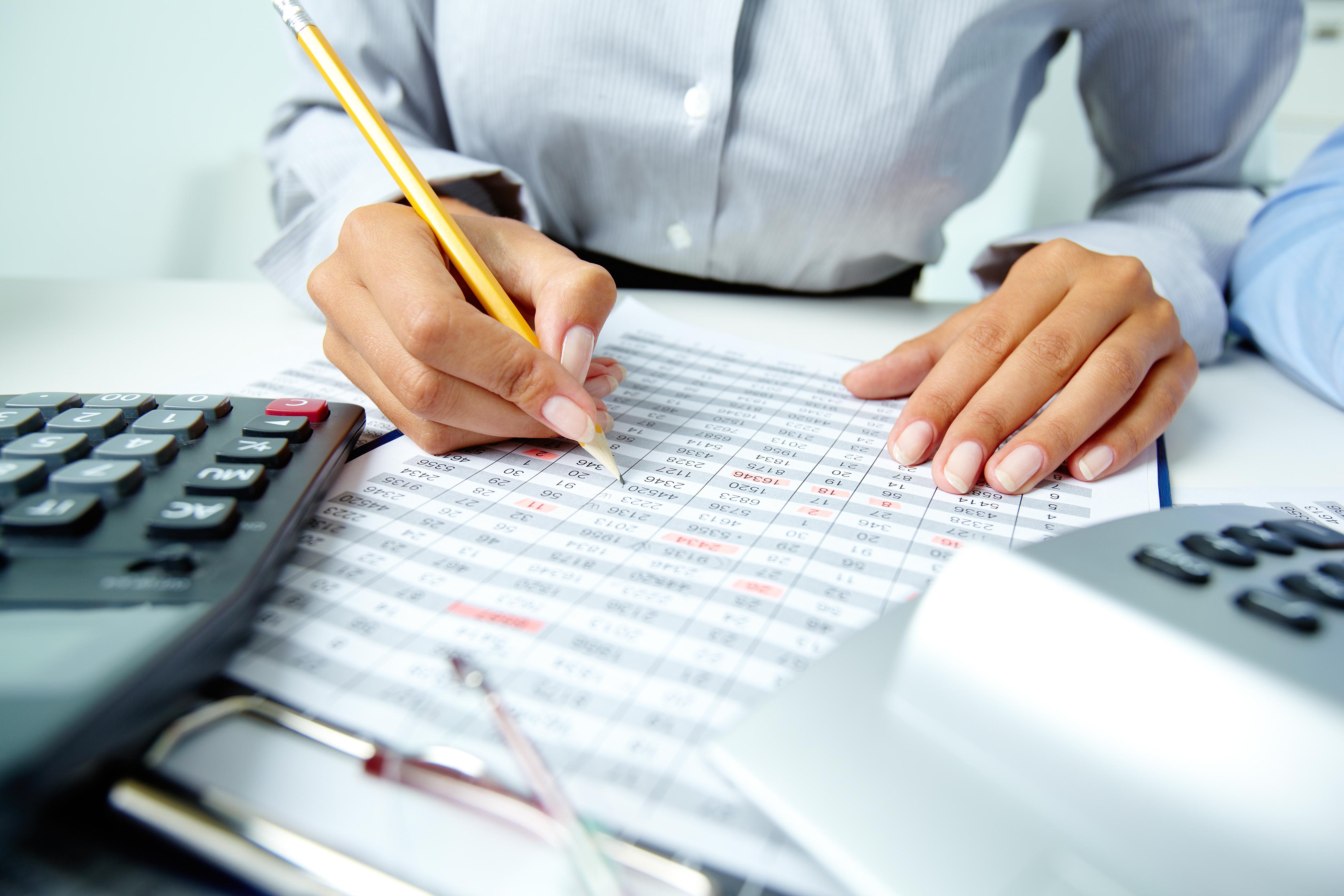 O que faz um contador? Entenda como está o mercado e o salário para esse profissional